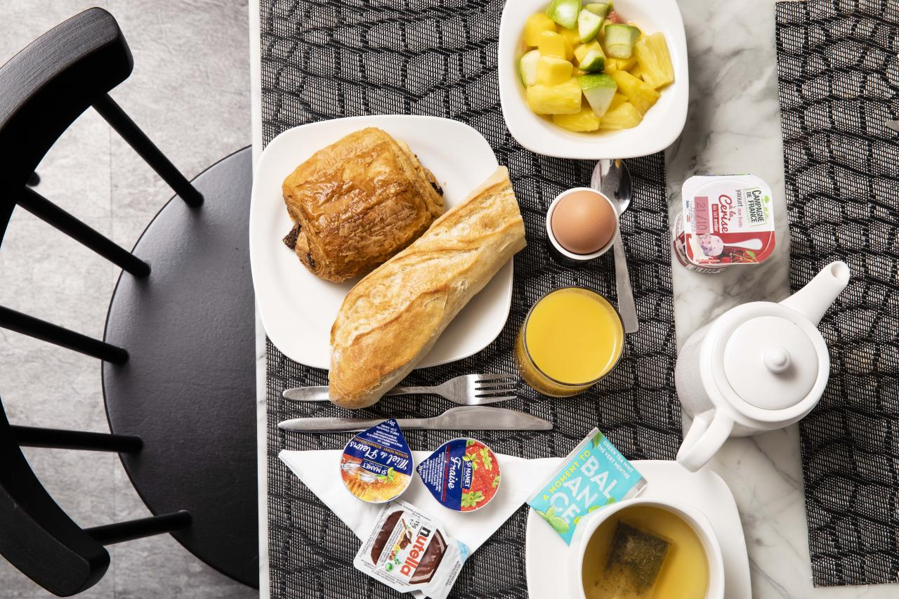 Hôtel de la Gaîté  - Breakfast